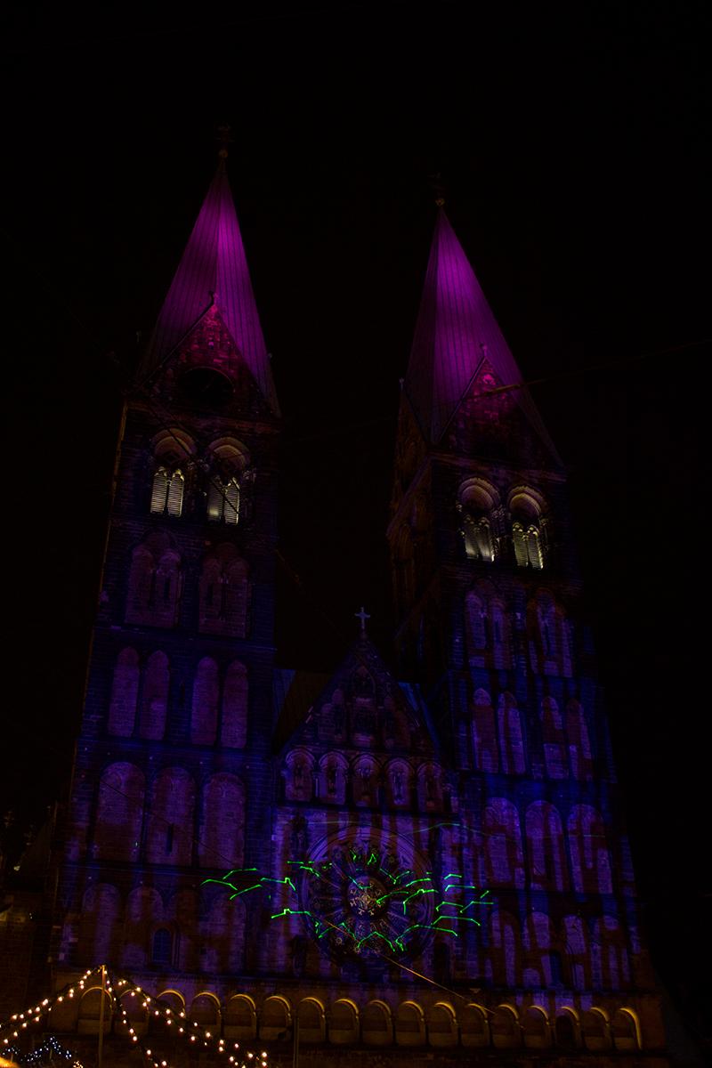 illuminierter-dom-pink