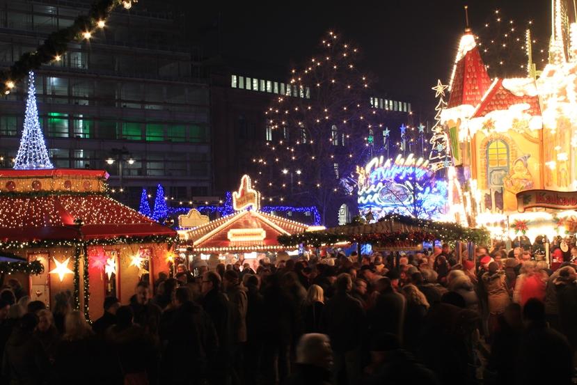 weihnachtsmarkt-bremen-menschenmenge