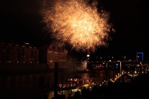 Feuerwerk über der Weser