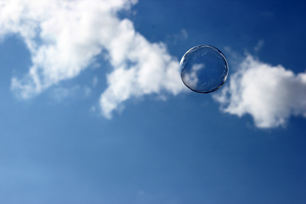 blauer-himmel-seifenblase
