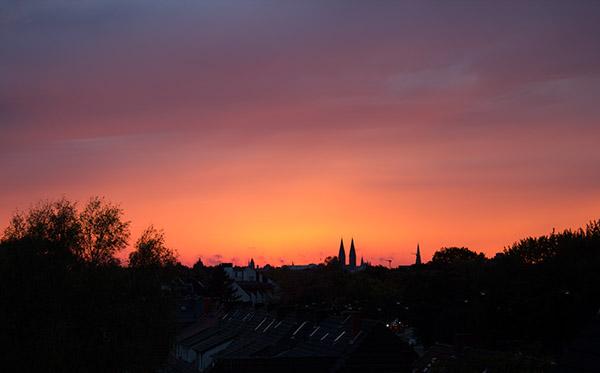 Sonnenuntergang über den Dächern von Bremen
