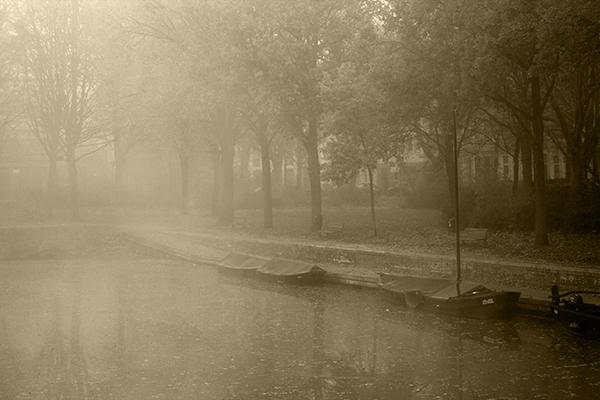 Torfkankanal im Nebel