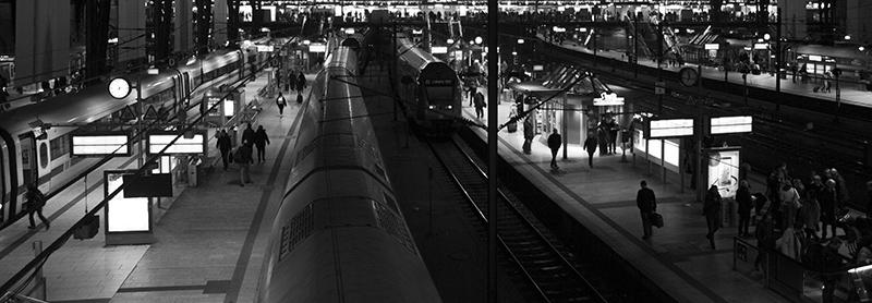 Züge im Hamburger Hauptbahnhof