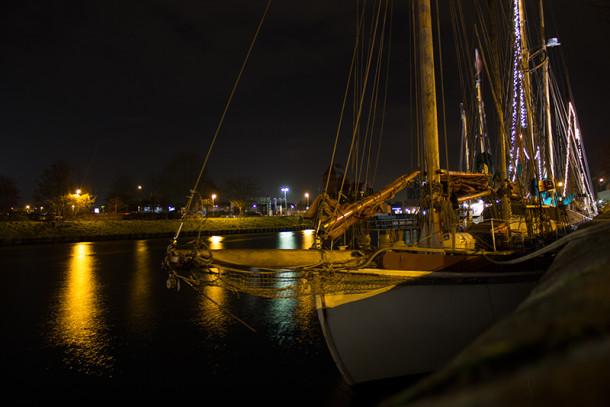 Schiff auf der Trave