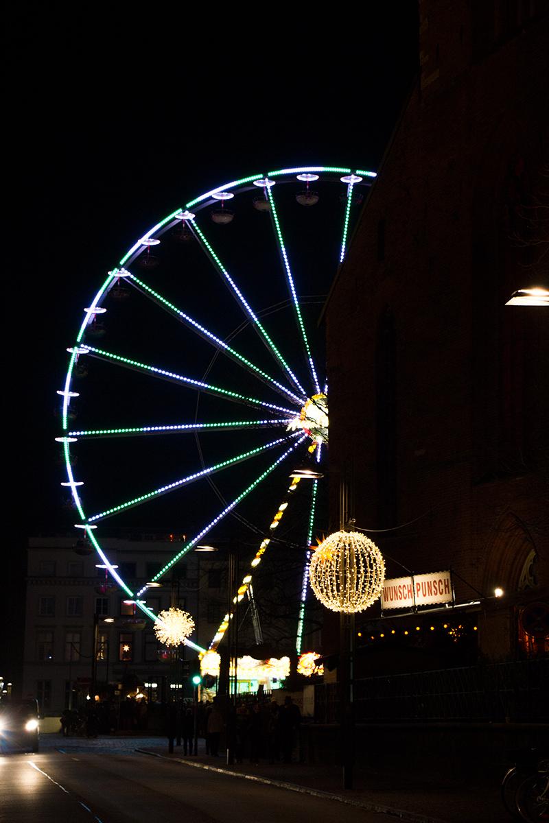 Riesenrad Lübecker Weihnachtsmarkt