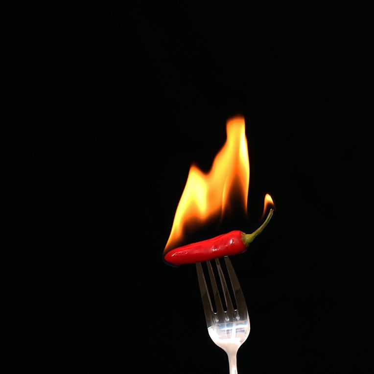rote chilli mit Feuer