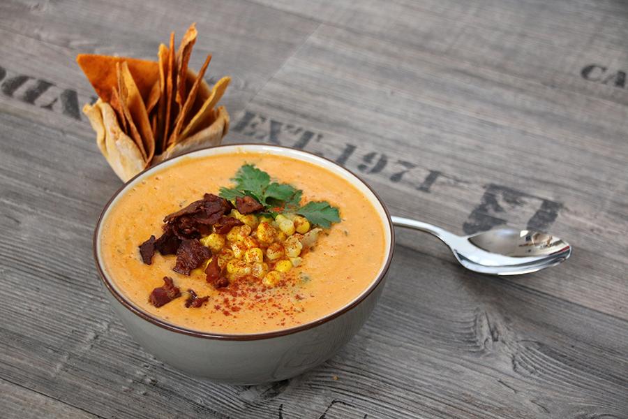 Maissuppe mit Speck