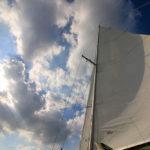 Ein Nachmittag auf einem Segelboot