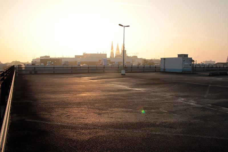 Parkhausdeck Sonnenaufgang