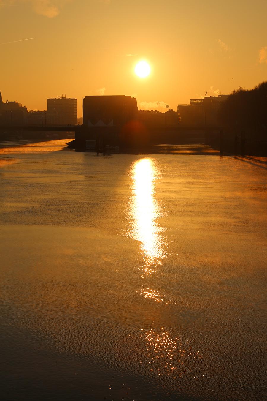 Sonnenaufgang Weser Bremen-Mitte
