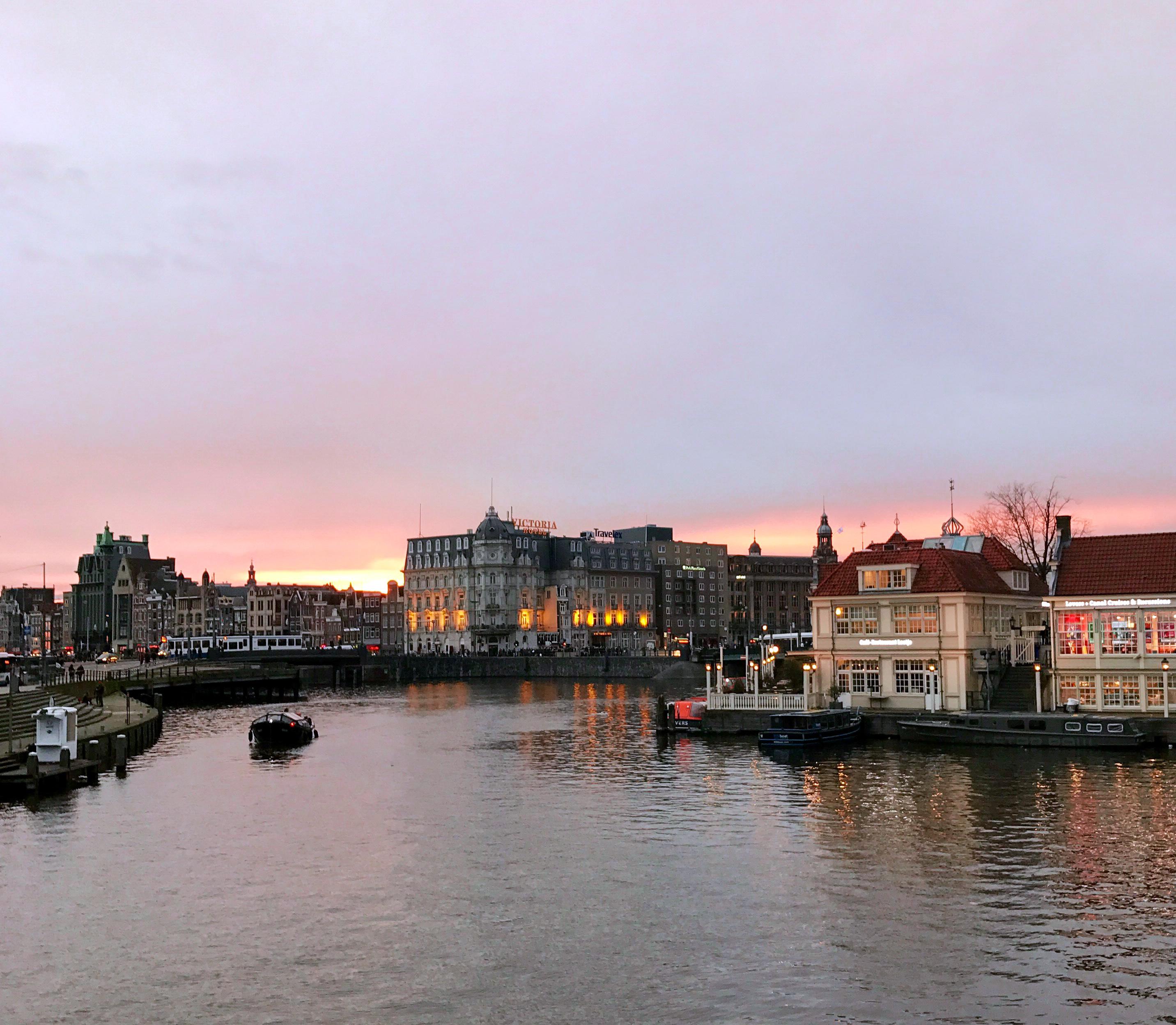Amsterdam im Abendrot